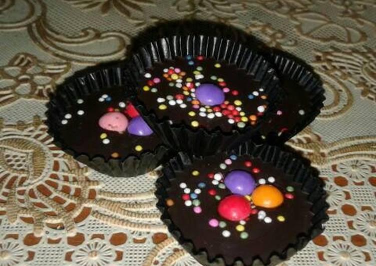 Cara Gampang Menyiapkan Coklat Kurma Warna-Warni, Lezat Sekali
