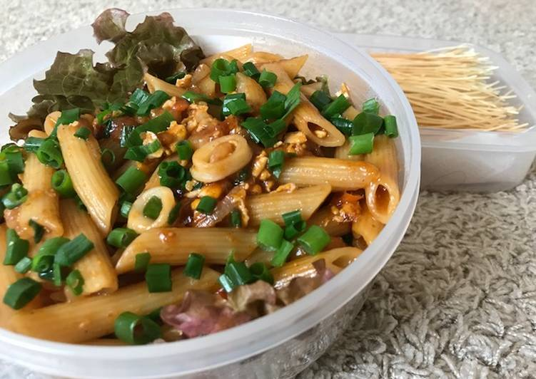 Mix Egg-Seafood Penne Pasta