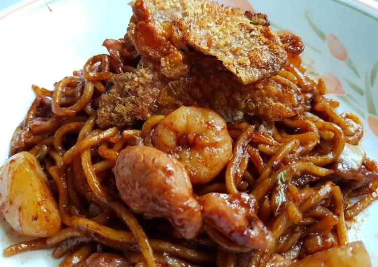 Recipe of Homemade KL Hokkien Chicken & Shrimp Noodles