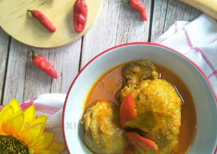 Gulai Ayam (Padang-Style Chicken Curry)