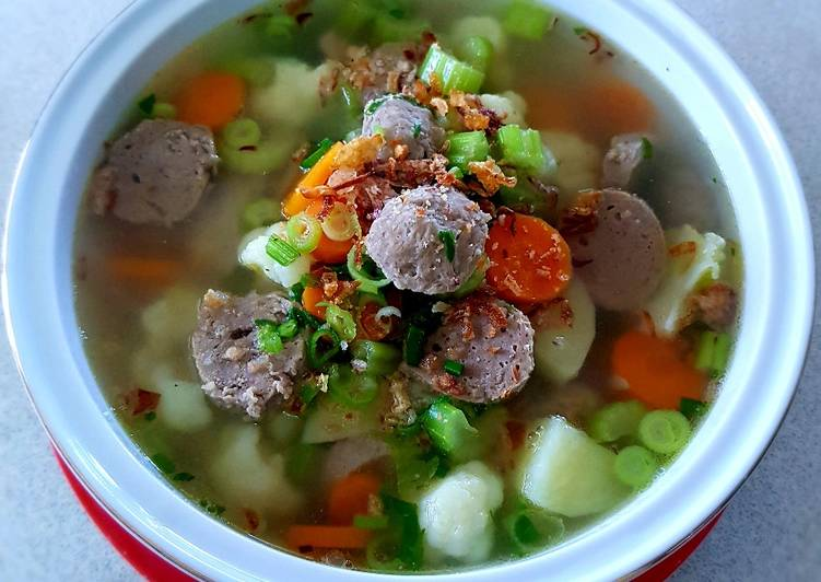 Recipe: Tasty Vegetables and Meatball Soup