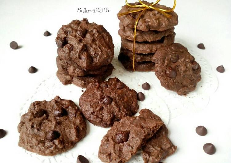 Resep Double Chocolate Cookies Enak Renyah Oleh Sukmawati Rs Cookpad
