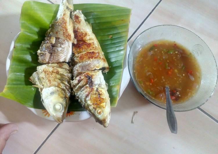 Pecak ikan bandeng khas Betawi