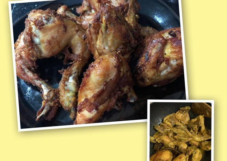 Bagaimana Menyiapkan Ayam Goreng Ungkep Bumbu Kuning yang Enak Banget