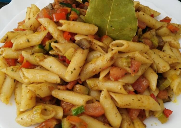 Macarrones Salteados Con Verduras Y Curry Receta De Amy Con Sus Recetas Tradicionales Modernas Y Naturales Cookpad