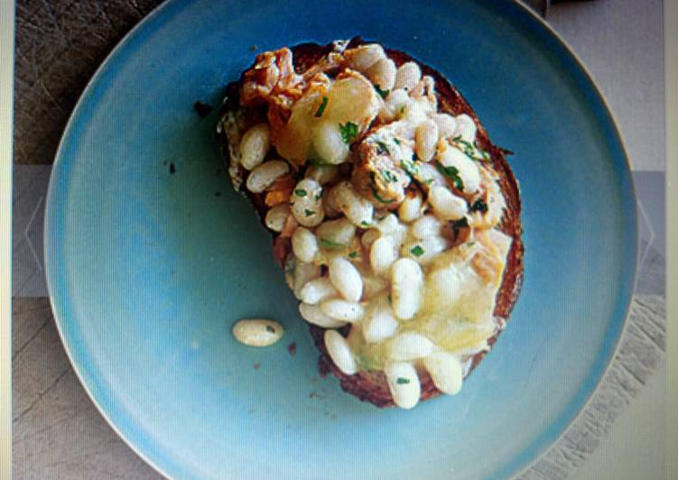 Tuna and White Bean Crostino
