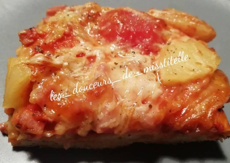 Pizza hawaïenne à pâte épaisse maison