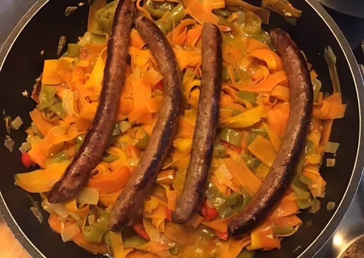 Recette: Merguez grillées aux poivrons et tagliatelles de carottes