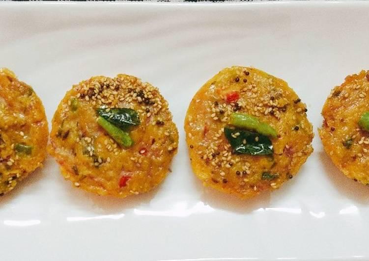 Sooji & Besan Veg Idli😊 (semolina and gram flour idli)