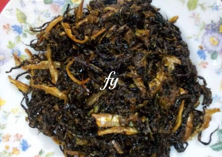 Sambal Goreng Cili Padi Pucuk Ubi Crispy / Rangup.(Makanan Tradisi Negeri Sembilan)