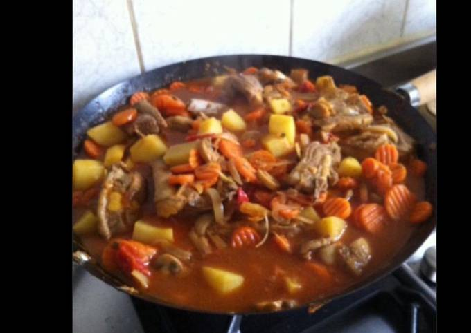 Sauté d agneau carottes pommes de terre champignons tomates façon tajine
