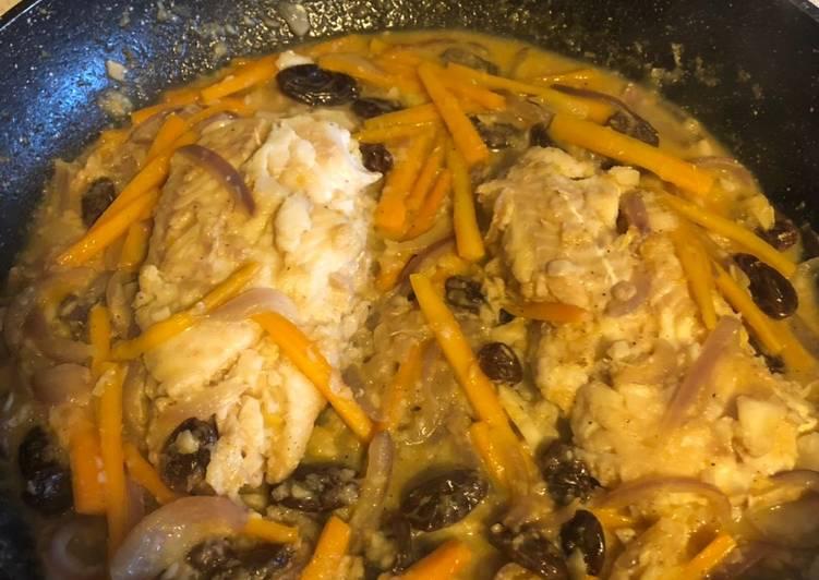 Dos de cabillaud à la sauce orange / gingembre et raisin sec
