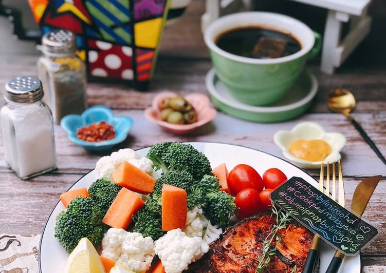 Salmon Grilled #PhopByLiniMohd versi Ketogenic - resepipouler.com