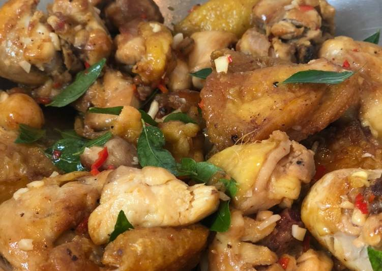 Recipe of Favorite Kam Heong Chicken (Fragrant Chicken)