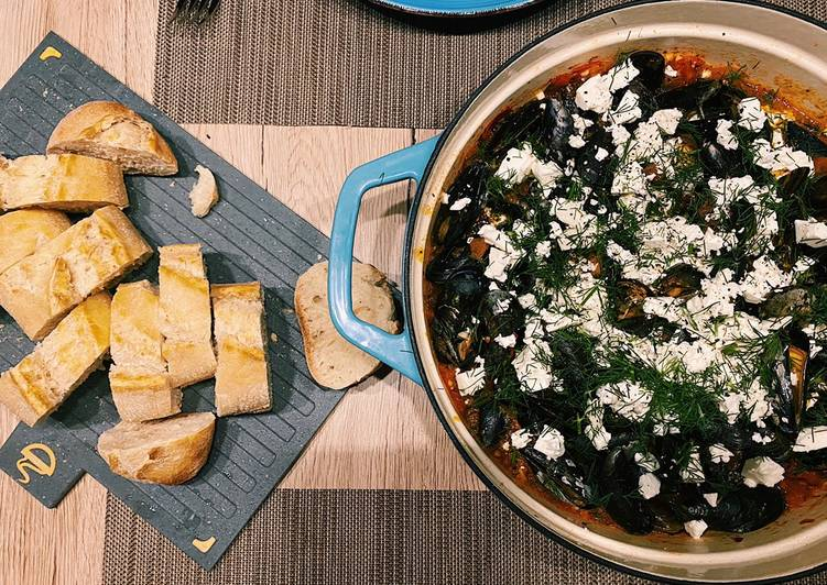 Easiest Way to Prepare Top-Rated Spicy tomato mussels with feta: Mydia Saganaki ♥️