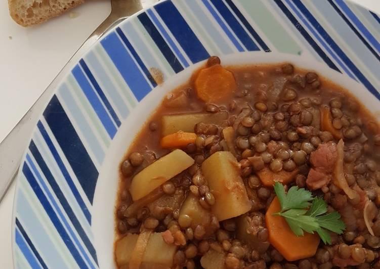 Recette Des Lentilles vertes aux lardons et aux légumes
