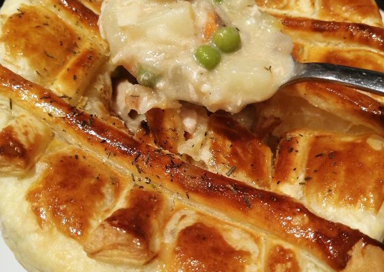 Chicken Pie: Creamy & Cheesy