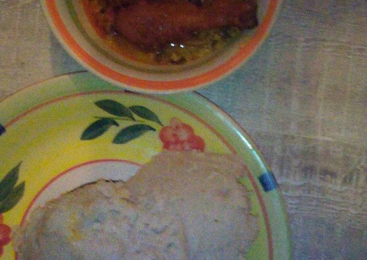 Recipe of Quick Egusi soup, chicken and pounded yam