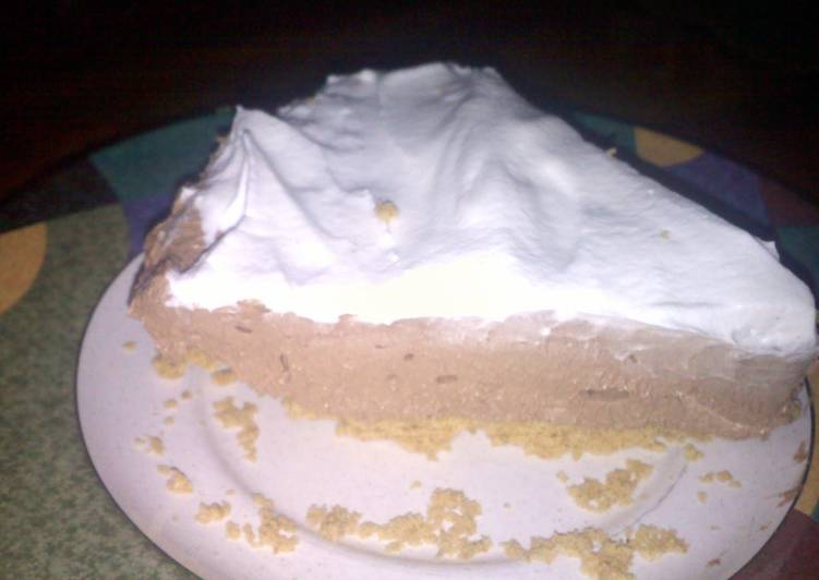 whipped chocolate pie