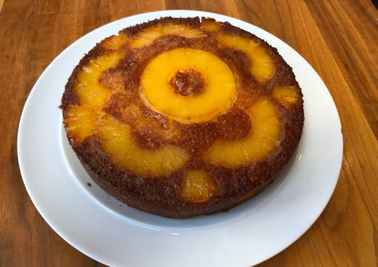 Recipe of Ultimate Islands Cake (upside down pineapple, rum and coconut cake)
