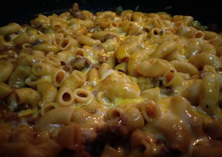 Chili-Cheese Macaroni