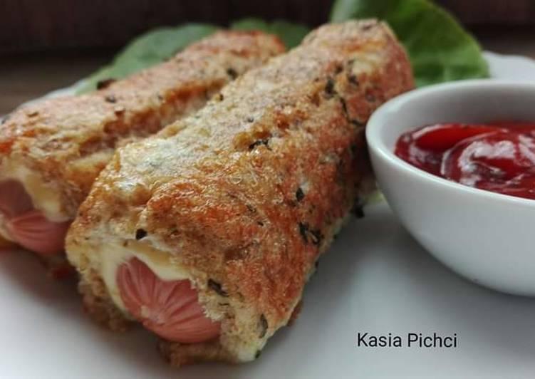Parówki z serem w chlebie tostowym