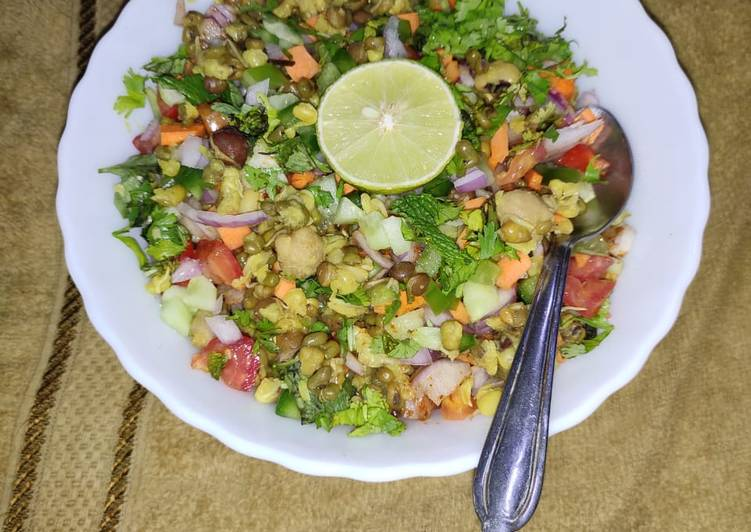 Mix Sprouts Salad