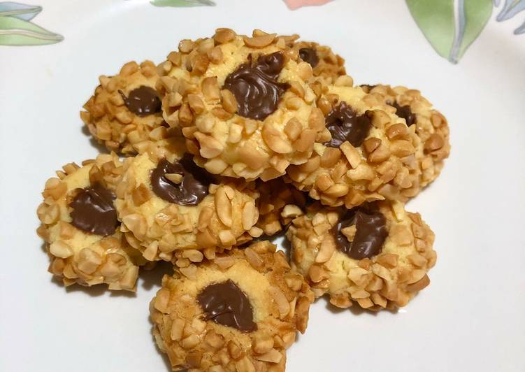 Thumbprint Nutella Mede Cookies