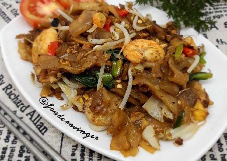 Kwetiau Seafood Kaki Lima
