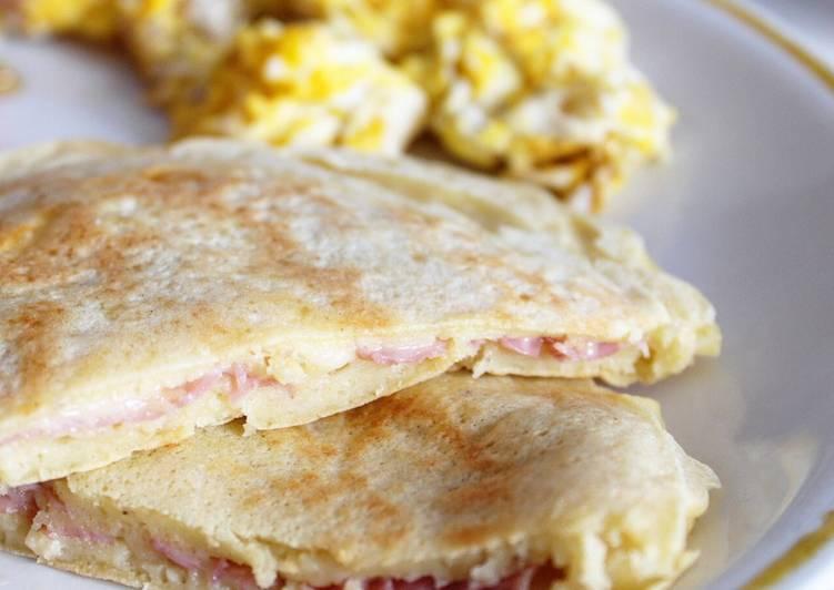 Pancakes Fourrés à l'Emmental et Jambon Blanc