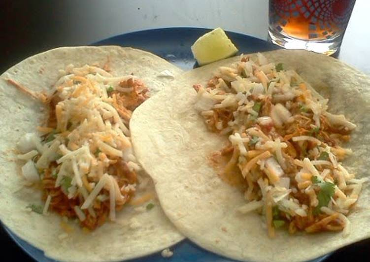 Slow cooker Authentic Shredded Chicken Tacos