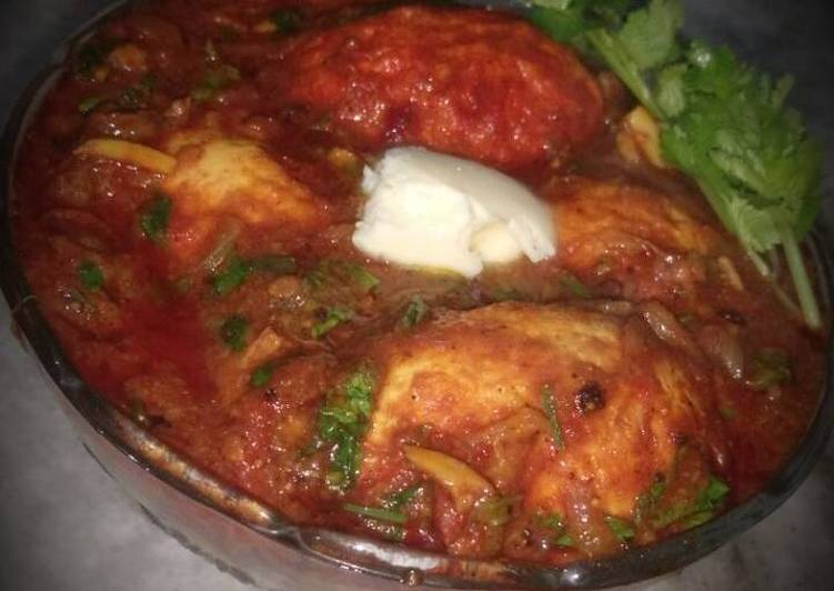 Egg Curry in Tomato Gravy