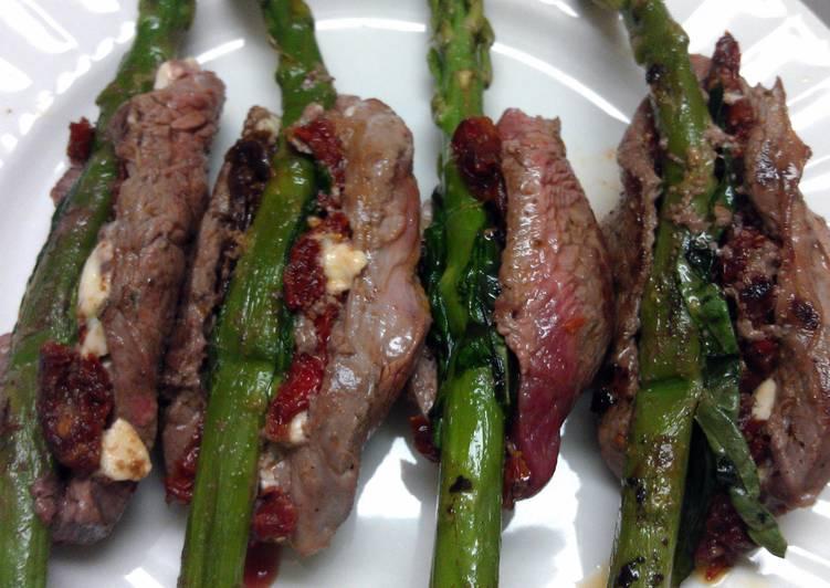 Recipe: Yummy Grilled Beef Asparagus Rolls