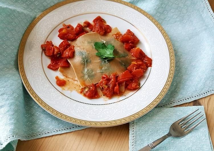 Ricetta Ravioli aperti con pomodori e mozzarella di bufala