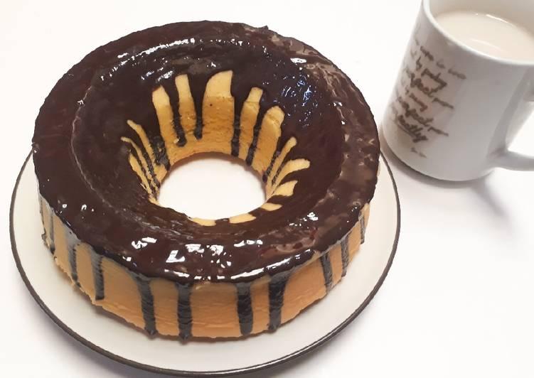 Bolu Siram Saus Coklat - cookandrecipe.com