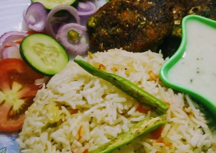 Healthy platter(veg kabab and veg rice with raita)