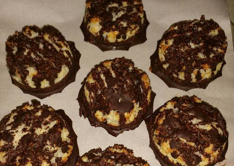 How to Make Any-night-of-the-week Dark Chocolate-dipped Coconut Macaroons