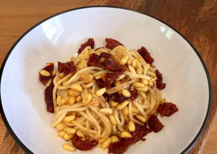 Simple Spaghetti With Pine Nuts & Garlic