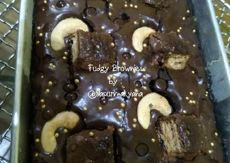 Fudgy Brownies (Shiny Crust)