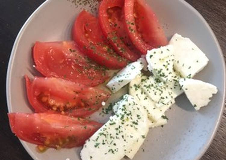 Caprese with cheese made from milk and yogurt