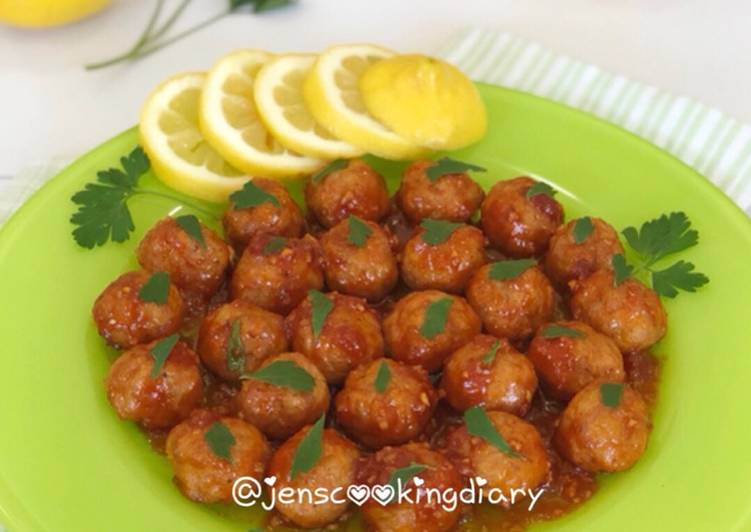 Easiest Way to Make Recipe of Spicy Honey Baked Chicken Meatballs