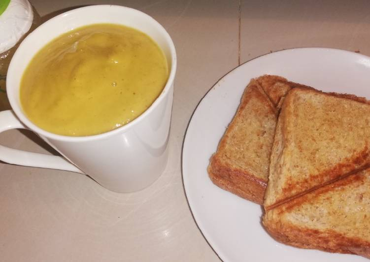 Easiest Way to Prepare Homemade Pumpkin soup & buttered toast