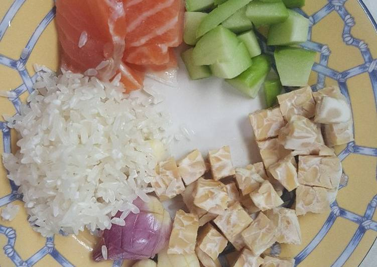 Resep Mpasi 7 Bulan Bubur Salmon Tempe Labusiam Oleh Ria Naladhipa Cookpad