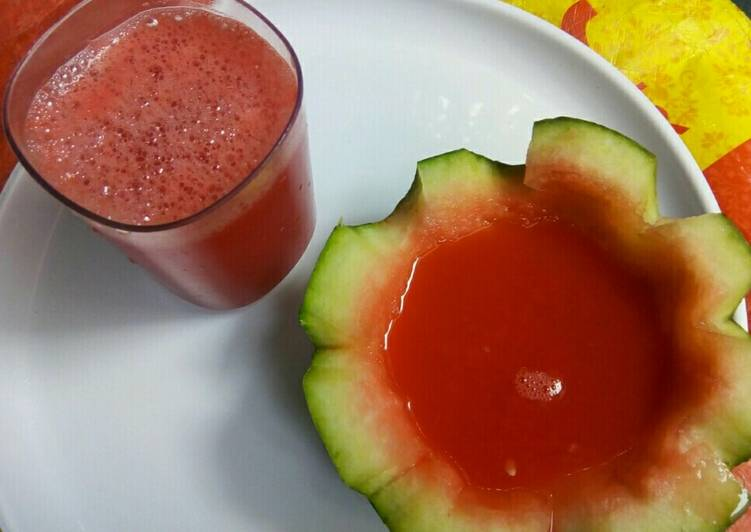 Simple Way to Make Homemade Watermelon and pomegranate juice