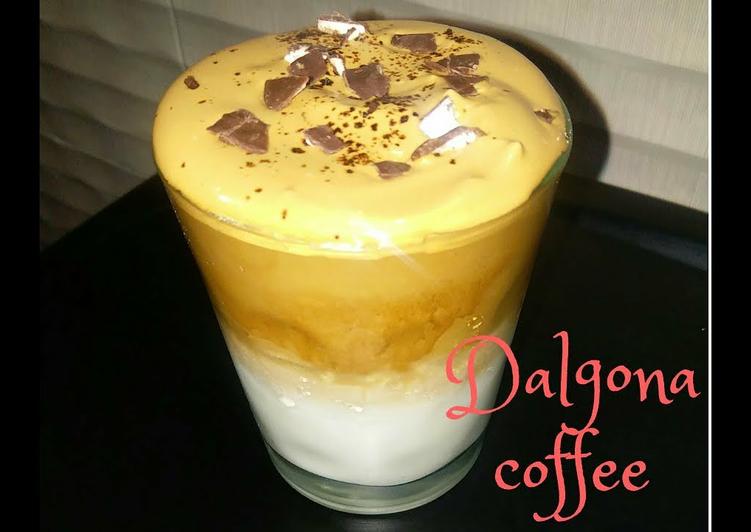 Trending dalgona coffee