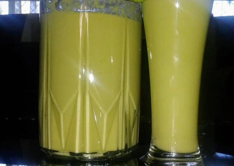 Avocado 🥑.. banana 🍌..lemon🍋 smoothie