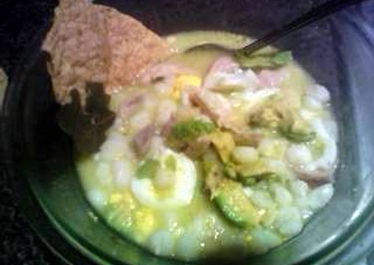 How to Make Any-night-of-the-week cuernavaca style white pozole with chicken