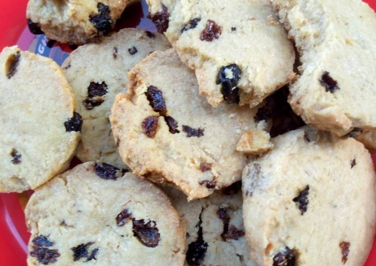 Shortbread with raisins, Helping Your To Be Healthy And Strong with The Right Foods