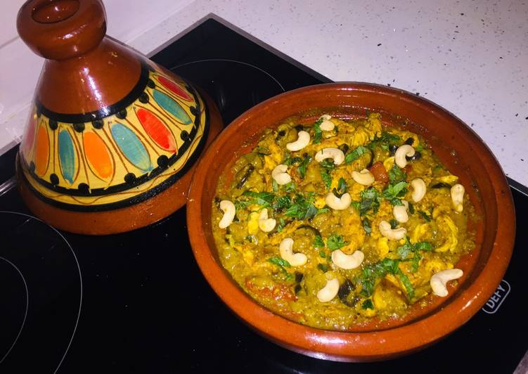 How to Prepare Award-winning Chicken Tagine with Apple & Brinjal