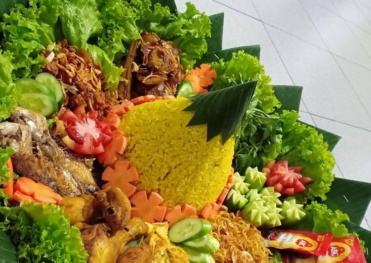 Nasi Tumpeng Ulang Tahun (Ricecooker)